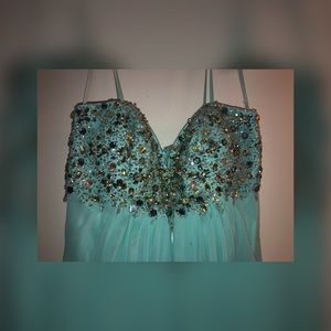 Dresses & Skirts - Long beautiful turquoise dress